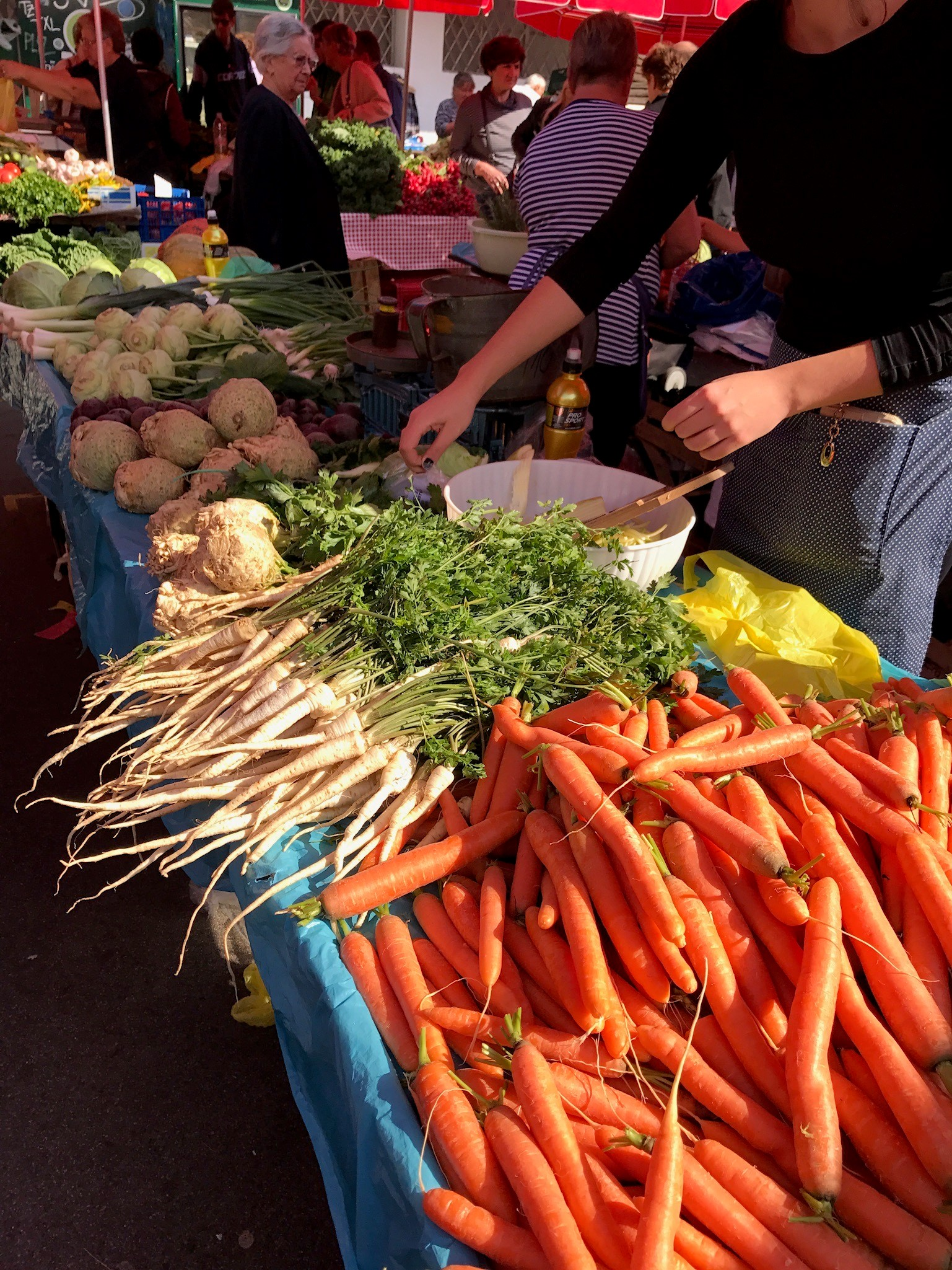 Cropped Market Carrots2