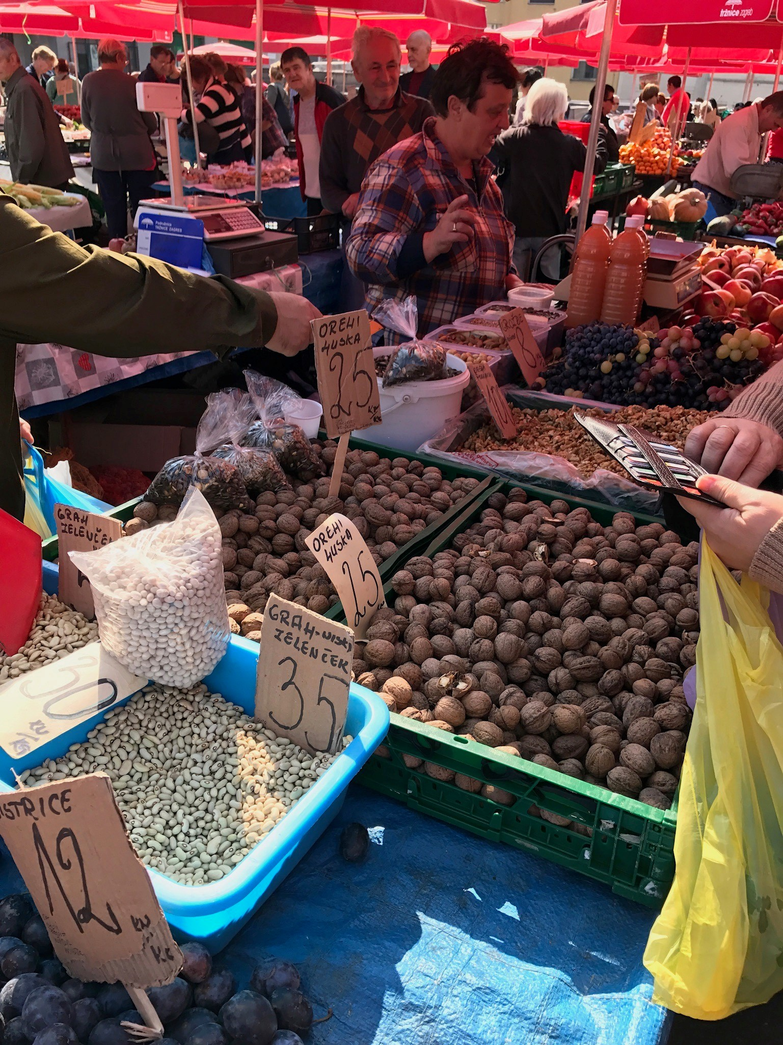 Cropped Market Nuts1